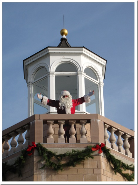 Santa at Avery Point (R)